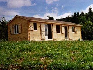 """Chalet en bois """"La petite maison dans la prairie"""" dans la Drôme"""