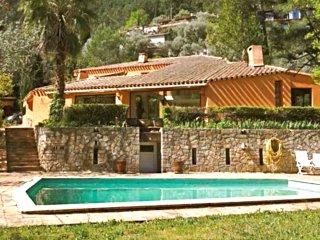 Vaste villa d'architecte, prestations de qualité, proche Hyères et plages, Sollies-Ville
