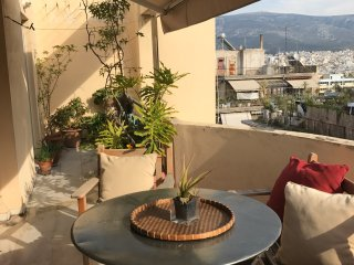 Penthouse with a beautifull view in a convenient neighborhood in the  centre .