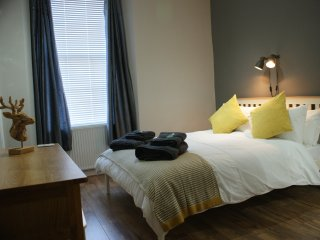 Edinburgh Royal Mile Self Catering Apartment