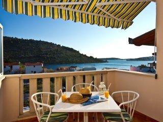 Spacious studio with big terrace sea view - 3