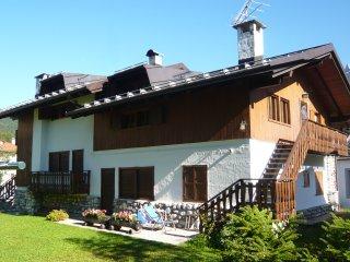 Dolomiti: Ampio appartamento in Cadore vicino Cortina per gruppi e famiglie