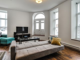 Luxury 2 Bedroom - Best Location in Montreal