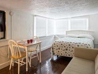 Small & Cute studio 537E inold NE/Downtown St Pete, San Petersburgo