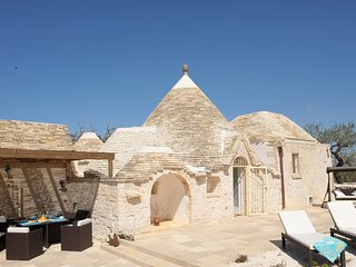 "Exclusive ""Trullo Sofia"" with private pool at walk distance to Alberobello"