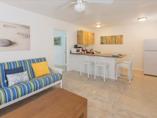 1-Bedroom Apt 6705 #3 5 Minutes Walk to Beach