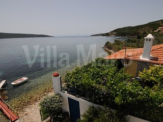 Seafront Holiday House with own Beach in quiet Aegean Greek Island Marine Park, Alonnisos