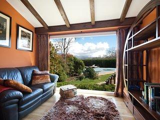 Ascot House, magnifica mansión con piscina y barbacoa en la sierra de Madrid, Becerril de la Sierra