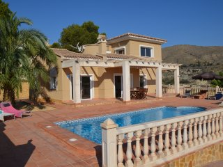 House - 800 m from the beach, Alicante