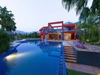Amazing modern Island Beachfront villa, Unique design with Basketball Court, Eretria