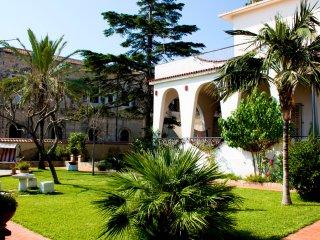 Villa Chelia a mare - direkt am Strand mit viel Platz und tollem Garten