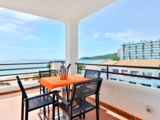 Penthouse in front of Ushuaia Beach Club!!!!, Sant Josep de Sa Talaia
