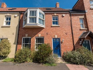 Glastonbury Town Centre 3 Bed House
