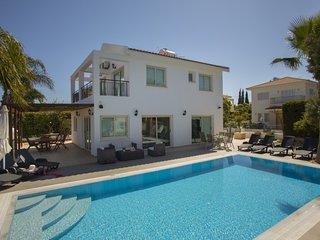 PRI23B Villa Blue Sea