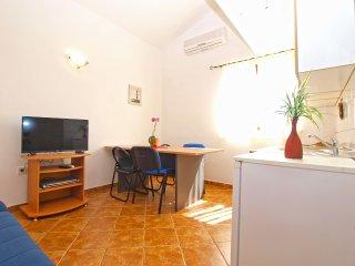 Apartment 12469