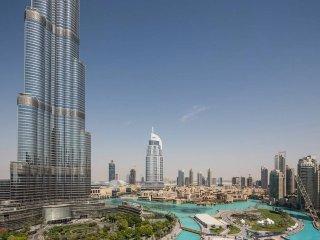 Real View of Burj Khalifa! Luxury 2BR Apartment