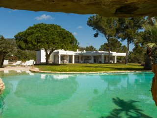 Luxury Villa with pool and sea view, Cala Comte