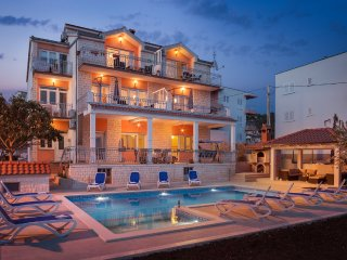 Villa with swimming pool S&B Matijas - Apartment A5 (4+2)