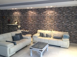 Art Deco Maisonette perfect for a big family or group of friends, Paleo Faliro