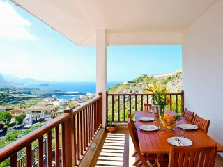 Ocean & volcano views, terraces in villa [apt D]