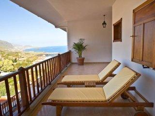 Grand: 280m2, ocean & volcano terraces, concierge