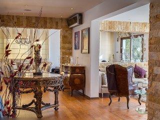 GURU BOUTIQUE SUITES PRIVATE RESORT - ROCK STAR HOUSE