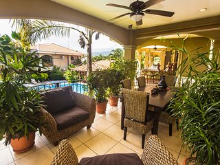 Luxury Second floor Condo #5 with pool view