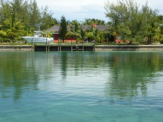 Large comfortable home with up to 4 en suite bedrooms to rent, Treasure Cay