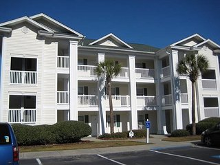 1st floor 2 bedroom golf condo, indoor pool, outdoor pool, washer/dryer