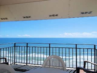 Oceanfront condo, wireless internet, outdoor pool, washer dryer,close to all!