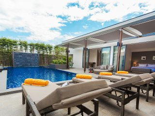 Casabay Luxury Pool Villas - CasaBay Pool View 3 Bedrooms