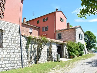 Tiglio Apartment in Agriturismo Monte Pu into Nature with Seaview