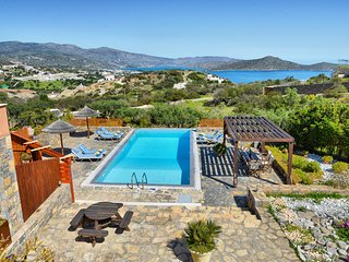 Glan y Mor - 4 bedroom villa with a private swimming pool, Elounda