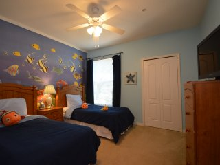 3-103 Dory and Nemo condo, heated pool, gym, game room, close to Disney World, Kissimmee