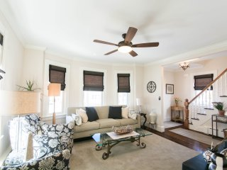 Summer Monthly Rental - Downtown Newport
