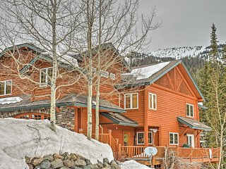 NEW! Elegant Ski-In/Ski-Out 4BR Whitefish Townhome