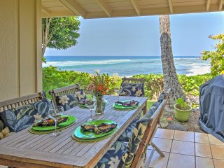 Tropical Kailua Kona Townhome - Walk to Coast!