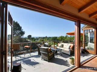Incredible Custom Home with Amazing Views, Pool and Outdoor Kitchen! Close to Beach!, Encinitas