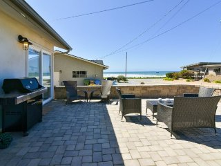 Fabulous 3 Bedroom Beach House with Ocean Views!