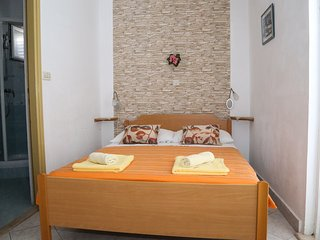 Apartment Dragica 1 -Milna(island Hvar)