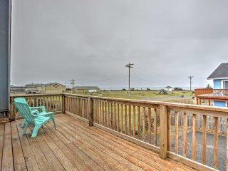 """The Sea Dog"" 3BR Pacific Beach House w/ Views"