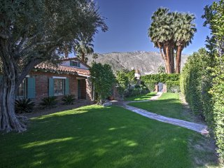 Palm Springs Home w/Pool Near Shopping & Golf!