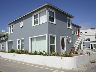 Fabulous Ocean Front Family Home 3br 2bath- Sleeps 9