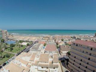 Apartamento junto al mar con piscina