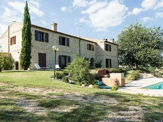 Country House Marche, Staffolo