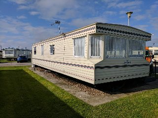 GOLDEN PALM 6 - 8 BERTH CARAVAN AND DOG FRIENDLY OPPOSITE PARK AND SITE ENTRANCE