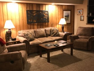 Cozy Mountain Condo at Viewpoint Condos in Mammoth Lakes