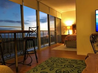 PARADISE FOUND! SPECTACULAR OCEAN VIEWS *PENTHOUSE, Waianae