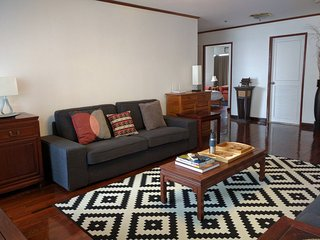 Spacious 3 BR BTS ARI 128sqm.Free airport pickup on arrival.