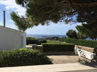 Villa with 4 bedrooms only 100 m from the beach